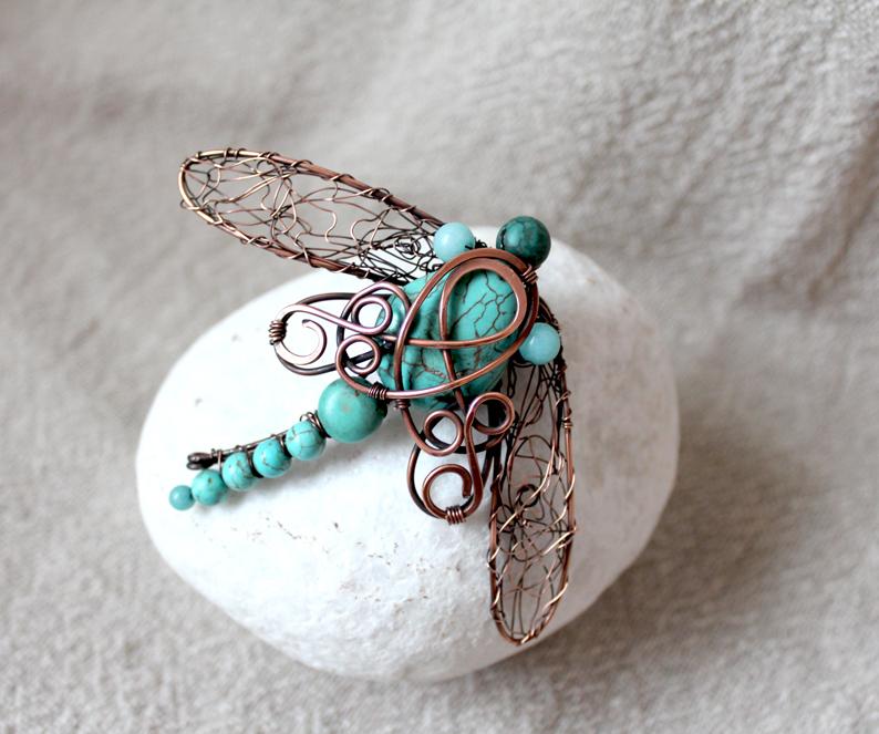 Copper wire brooch