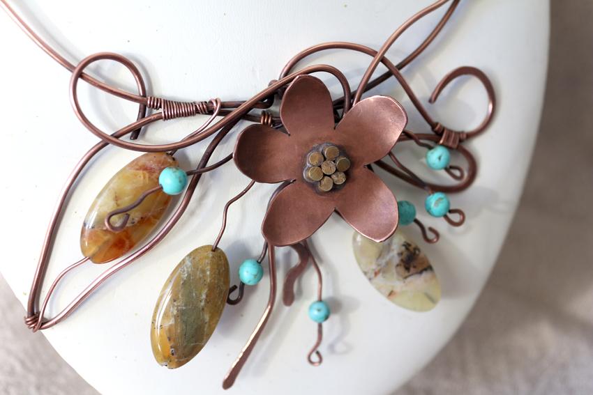 daisy wirework necklace